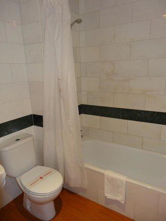 Hotel Mix Alea: bathroom