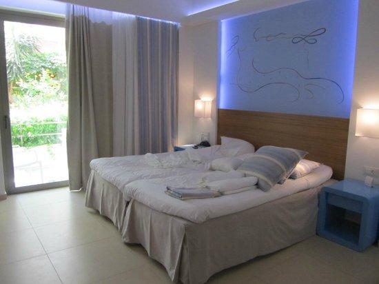 Hotel Ilios: 1-værelses lejlighed i stueplan, med dejlig lille terrasse og blomster