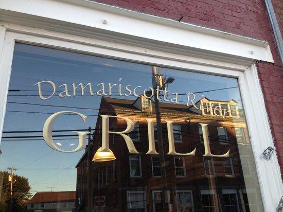 Damariscotta River Grill: Front of the restaurant