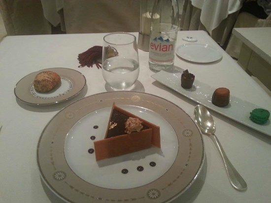 le chateau du clos de la ribaudiere : Un Dessert au 3 chocolat et Nougatines