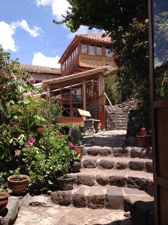 El Balcon Courtyard