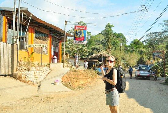 Drake Bay, Costa Rica: Minisuper Drake Street View
