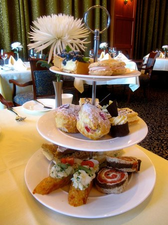 Sensational High Tea_Dining Room_Oak Bay Beach Hotel