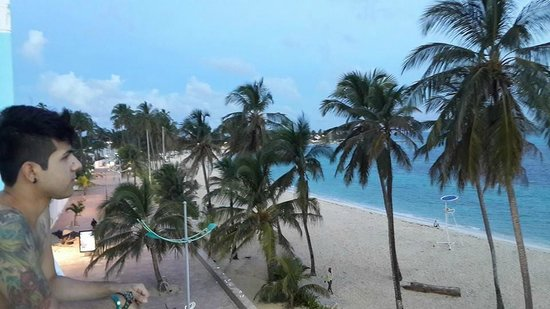 Hotel Blue Tone: vista desde el balcón enseguida de la habitación  (304)