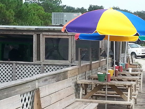 Dewey Destin Seafood: Don't let the appearance deter you.