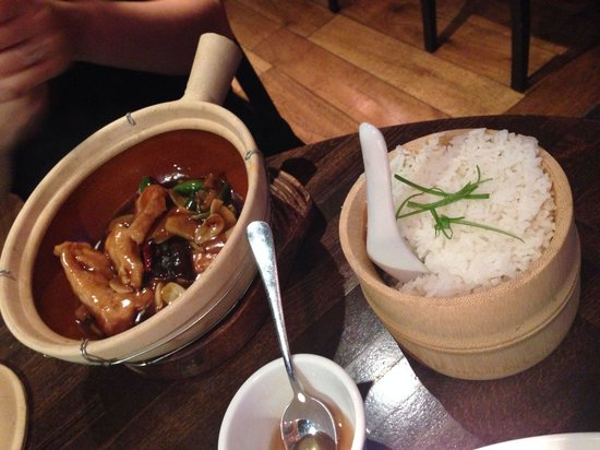 Dim T - West End: Clay pot chicken with steamed rice.  Quite good chicken!