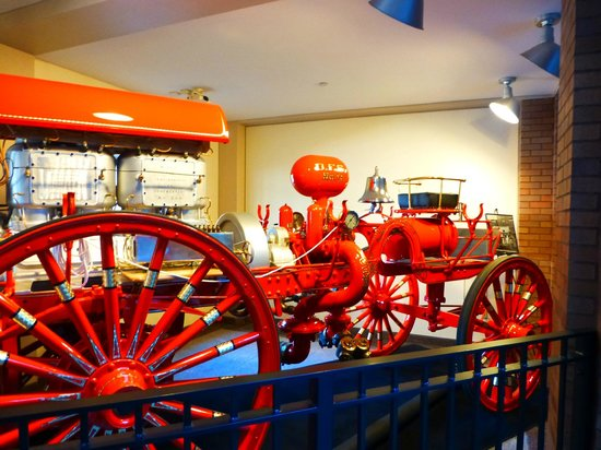 City Hall: 1909 Westinghouse Fire Engine