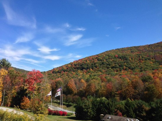 Hancock, MA : Autumn in the Berkshires