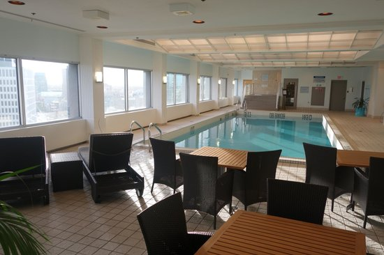 Fairmont Winnipeg: swimming pool