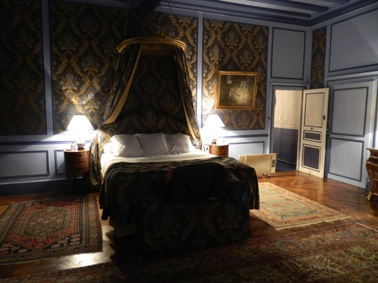 Chateau de la Barre : The Blue room