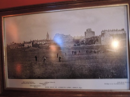 The Jigger Inn: Love the historical pictures in the pub!