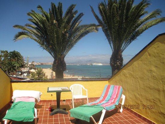 Caleta Playa Apartments: The Balcony Area