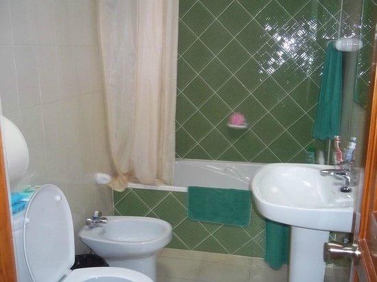Caleta Playa Apartments: The lovely Bathroom