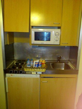 Residencia Universitaria Campus del Mar: Cocina y desayuno