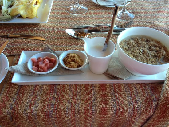 Wickaninnish Inn and The Pointe Restaurant: breakfast