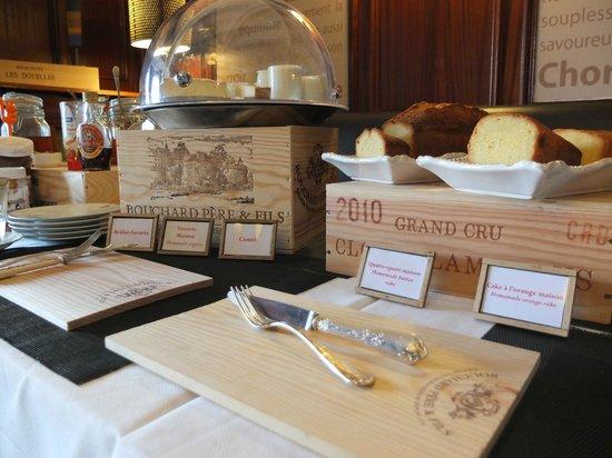 Ermitage de Corton: Breakfast