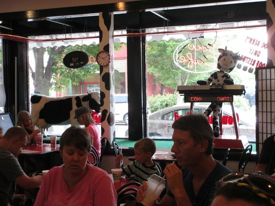Cow Cafe: Cow's Cafe