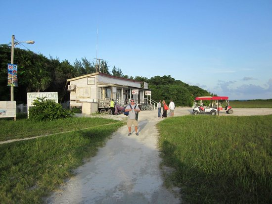 Sea Dreams Hotel : Caye Caulker airport w/ taxis