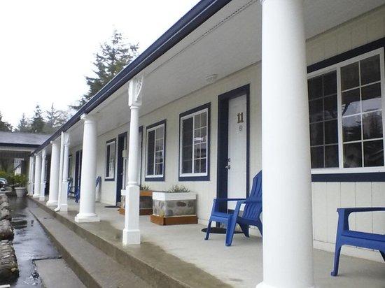 Ocean Breeze Motel: motel itself