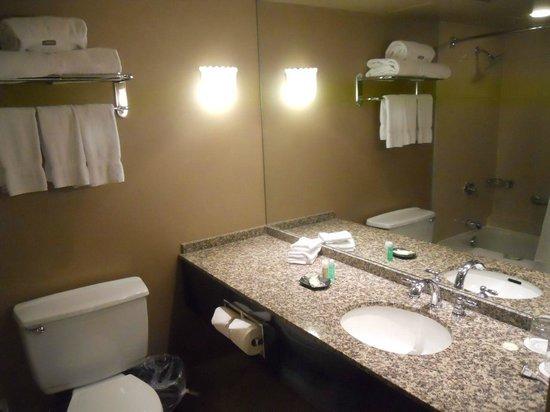 The Westin Calgary: Bathroom (Club level)