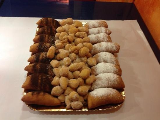 Al Vicolo dei Capricci: i buonissimi calzoni nutella e crema chantilly con capricci
