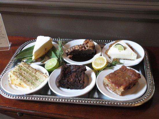 Morgan's Tavern & Grill: Dessert Table