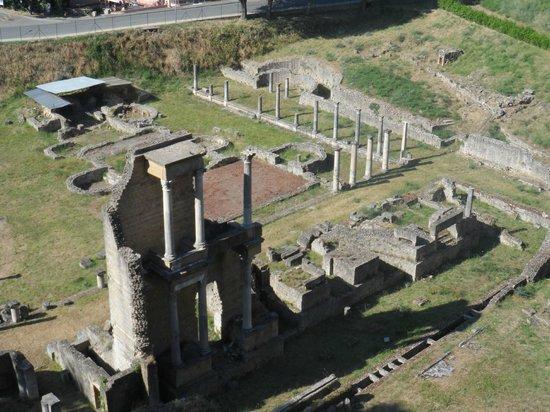 Teatro Romano (Roman Theater & Baths): Maravillas de la antigüa Italia