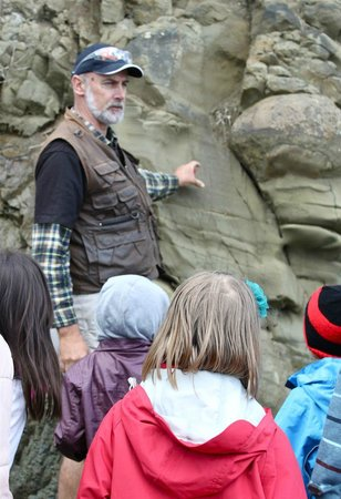 Dinosaur Dreaming: Tour lead Mike explains the geology of the Dinosaur Coast