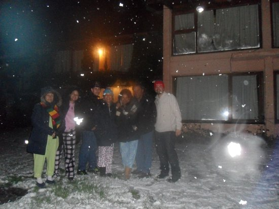 Bungalows Unsur: la familia en una nevada en bungalow unsur