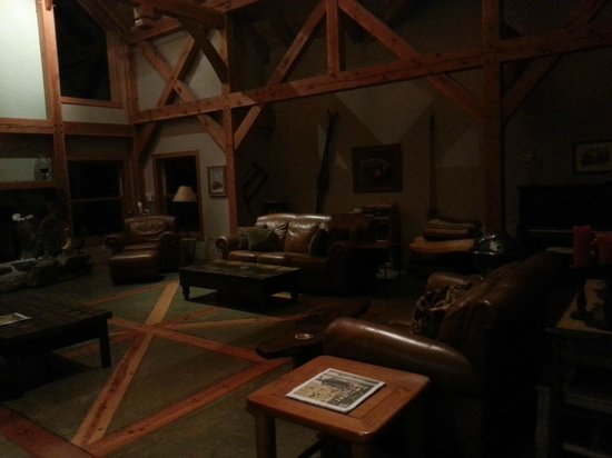 Arnold Black Bear Inn: The great room where your wine & cheese platters/meals are served. Also available just to lounge