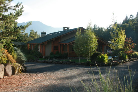 Rivermist Lodge