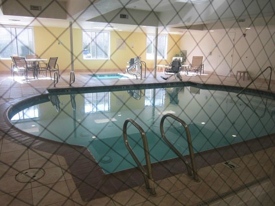 Holiday Inn Express Stockton Southeast: pool