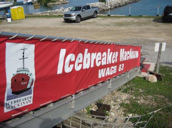 Icebreaker Mackinaw Maritime Museum Inc.: Entrance ramp