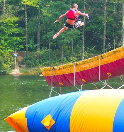 ACE Adventure Resort - Day Tours: Hey Dad wanna see how hi you can make me go on the Blob?
