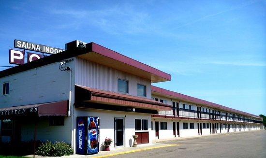 Algonquin Motor Lodge: Free parking