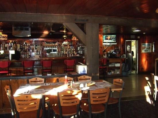 Wurtsboro, NY: Main Dining Area & Bar