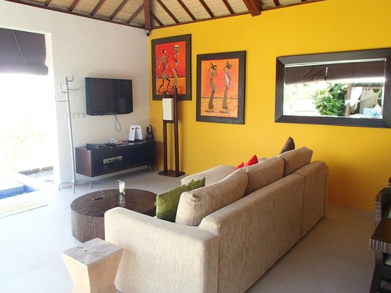 Arama Riverside Villas : Living hall with tv & 1 ceiling fan only
