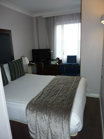 Mercure London Kensington: Small Room