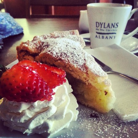 Dylans on the Terrace: Apple Shortcake