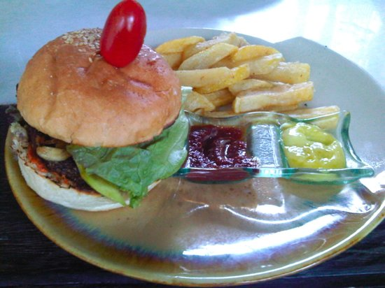 Clear Cafe: Veg Burger with Fries