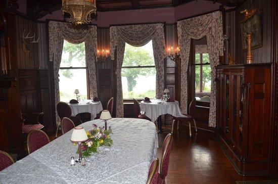 Edgar's Restaurant at Belhurst Castle: Inside Belhurst