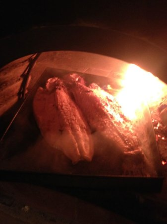 Aldebaran Hotel & Spa: Our trout roasting in their clay oven