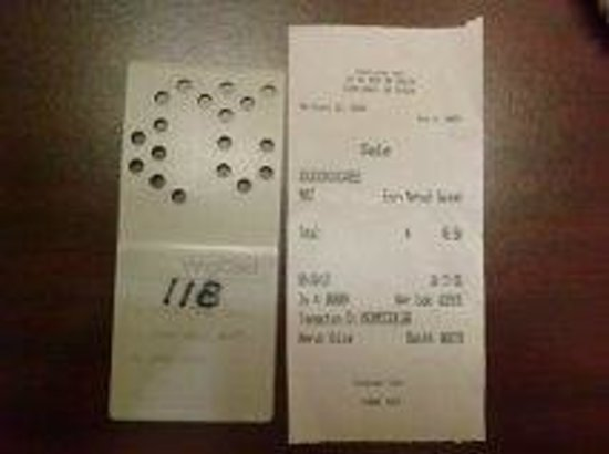 Four Oaks Lodging : room key and receipt