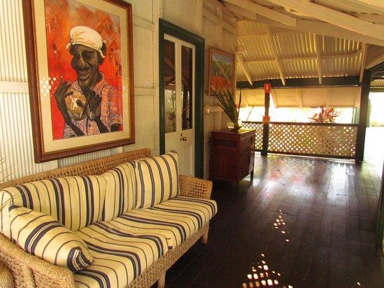 Pinctada McAlpine House: verandah