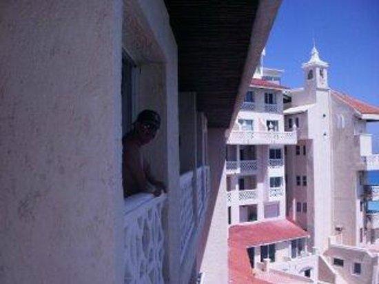 Bsea Cancun Plaza: mi pequeño balcon muy buena vista