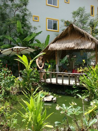 The ASHLEE Plaza Patong Hotel & Spa: Садик у отеля
