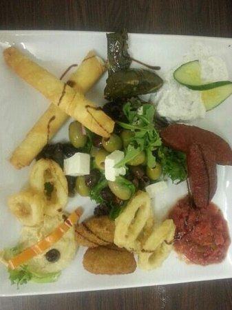 Olive&Feta : mix meze platter ( starter)