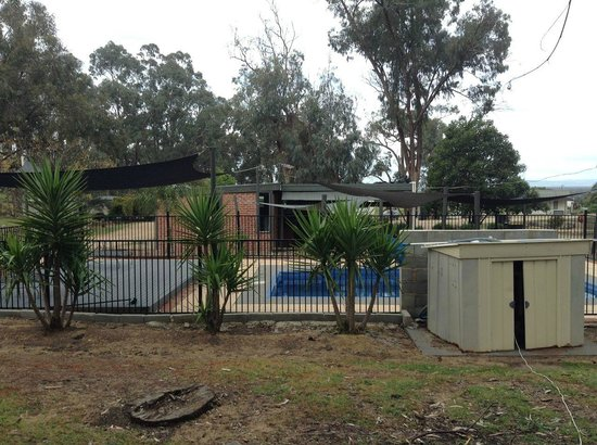 Glenrowan Caravan and Tourist Park: On the top camp site