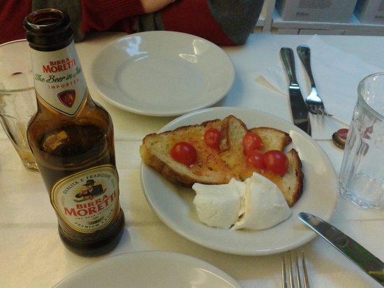 Mondo Mediterraneo: Exquisito aperitivo y cerveza italiana