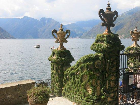 Villa del Balbianello: Manicured topiary